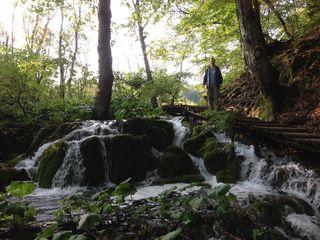 Lake_waterfalls
